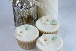 Lace-Petunia Cupcakes_